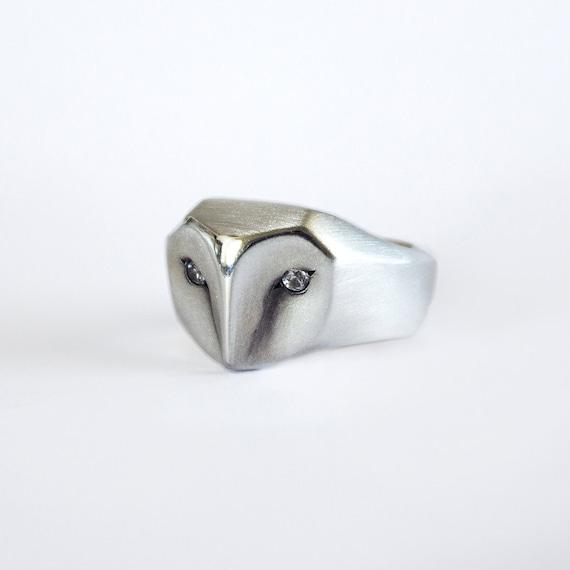 Owl ring with white Sapphire eyes, owl ring, bird ring, owl jewelry, barn owl, geometric owl, white owl, engagement owl ring, Christmas gift