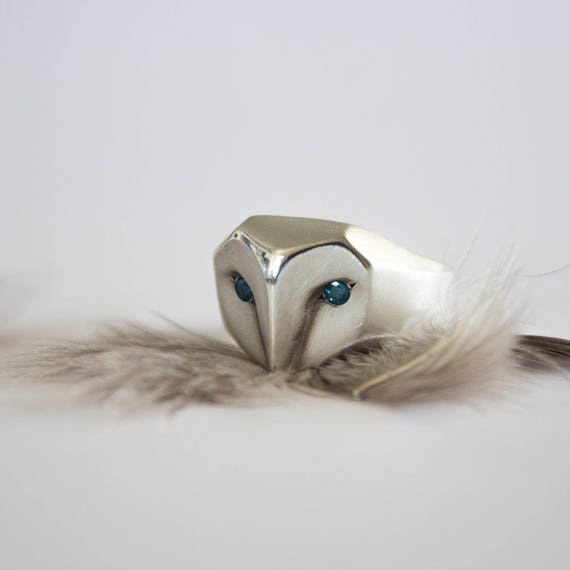 Owl ring with blue ocean diamonds eyes, silver owl jewelry, blue diamond owl ring, barn owl ring, Christmas gift