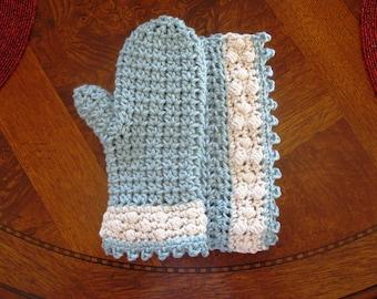 Matching crochet washcloth and bath mitt patterns // Spa Bath Collection // Beginner crochet pattern with photo tutorial // Housewarming