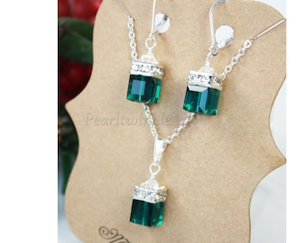 Emerald Green Swarovski Crystal Jewelry Set, Mother's Day Gift under 50 USD, Green Crystals Earrings Necklace, May birthstone, gift wrap