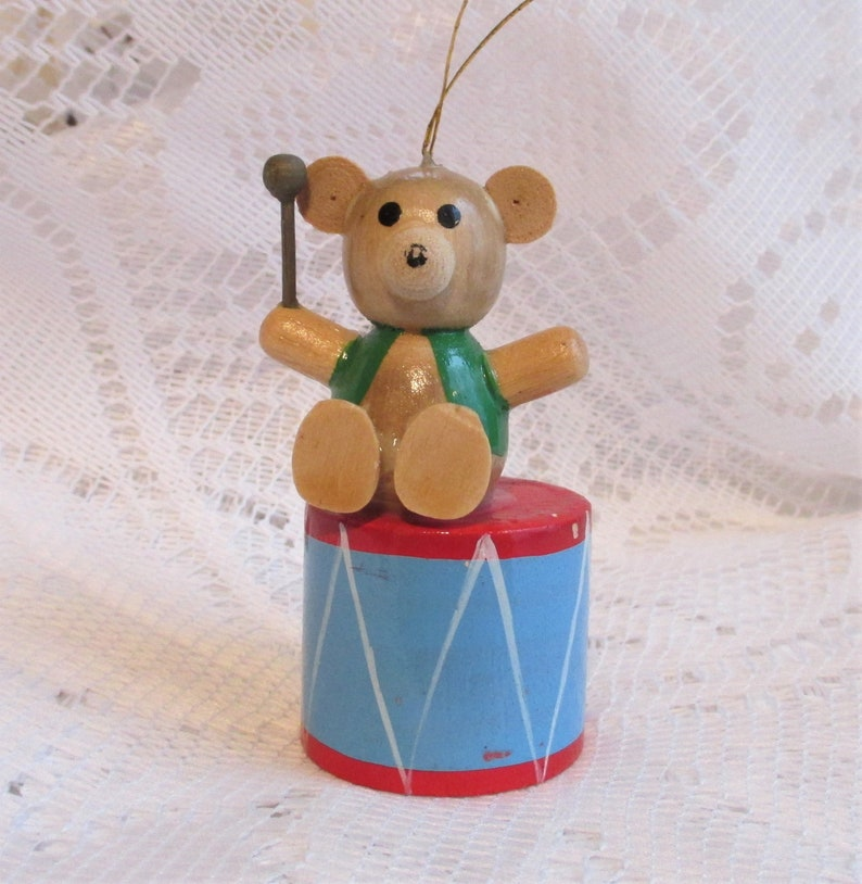 1980 R Dakin Co Wooden Christmas Ornament Vintage Teddy Bear Drummer Boy Ornament Collectible Ornament Made In Taiwan Holiday Decor