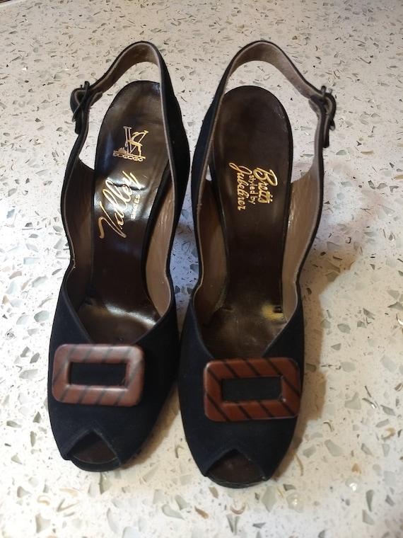Fabulous 40s suede open toe shoes.  Sz. 7
