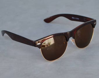 Sunglasses with Tortoise Shell Detail