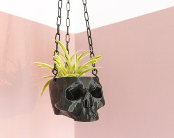Black Hanging Skull Planter with Chain - Human Skull Plant Pot - Gothic Home - 3D Printed Skull - Spooky Skull - Halloween Decoration