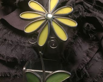 Darling Vintage Daisy Flower Candle Holder