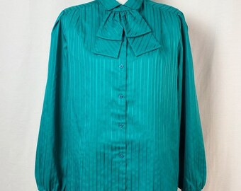 Bow Blouse  Vtg 70s  Style Craft 34 Sleeve Green print Bow Blouse  Green Secretary Blouse  Removeable Bow
