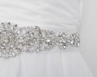 Bridal sash belt, wedding sash, bridal belt with rhinestones and pearls.