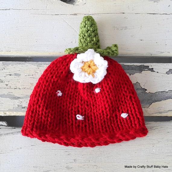 ce9515f737ac Bébé fraise Bonnet bonnet nouveau-né berry bonnet bébé   Etsy