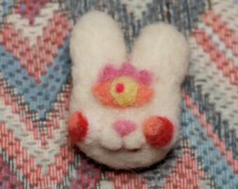 3rd Eye Bunny Brooch (albino)