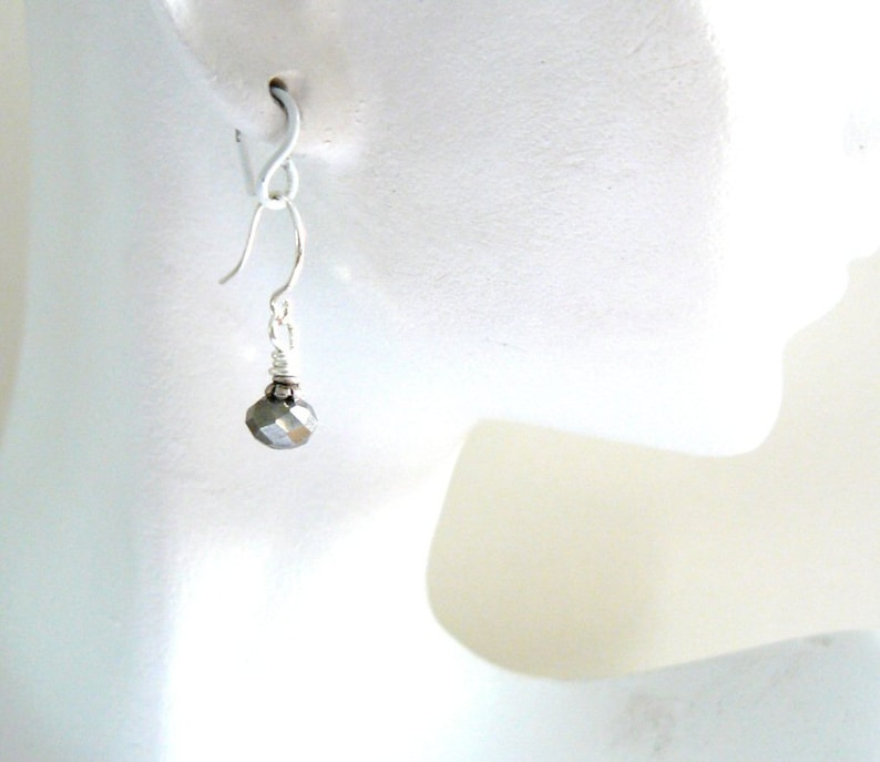 Silver Faceted Glass Bead Dangles Elegant Small Earrings Tiny Grey Drops Small Silver Grey Earrings Vintage Style Jewelry