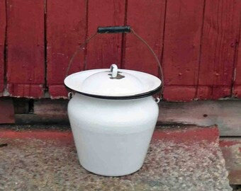 Vintage Enamelware Chamber Pot With Lid And Wooden Handle White With Black Trim,Shabby, Rustic ,Farm House,Bathroom Decor