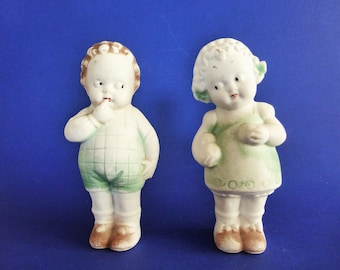 Vintage Dutch Delft Boy And Girl Novelty Salt & Pepper Set Pottery & Glass