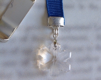 Crystal Snowflake bookmark *FREE SHIPPING* Attach clip to book cover then mark the page with the ribbon. Never lose your bookmark!