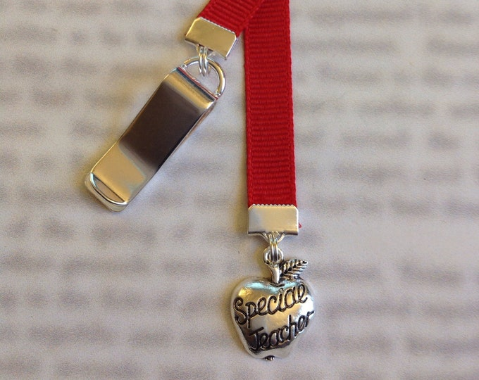 Teacher Bookmark Gift / Apple bookmark *FREE SHIPPING*- Attach clip to book cover then mark  page with the ribbon. Never lose your bookmark!