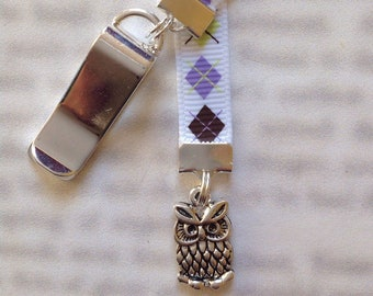 Owl Bookmark / Hedwig Bookmark / Cute bookmark  *FREE SHIPPING* - Clip to book cover then mark page with ribbon. Never lose your bookmark!