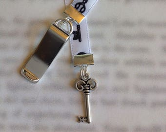 Key bookmark / Key to my Heart bookmark / Skelton Key / Cute bookmark  - Attach clip to book cover then mark page with ribbon