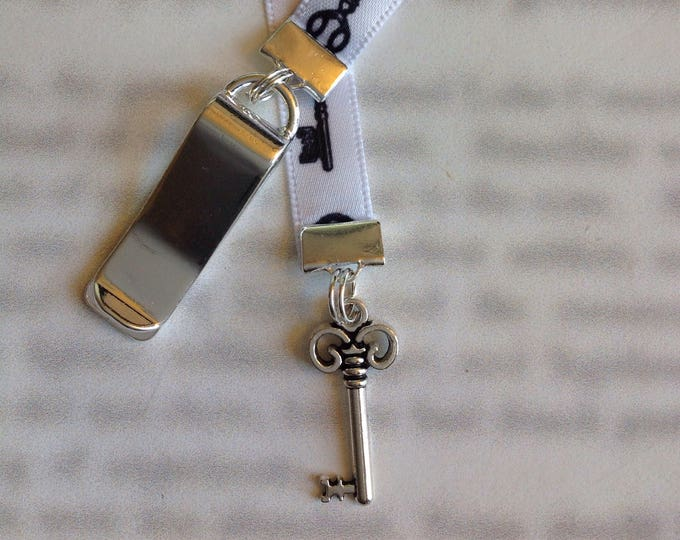 Key bookmark / Key to my Heart bookmark / Skelton Key / Cute bookmark *FREE SHIPPING* - Attach clip to book cover then mark page with ribbon