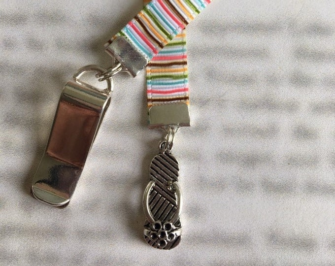 Flip Flop bookmark / Sandal Bookmark / Cute Bookmark *FREE SHIPPING* - Attach clip to book cover then mark page with ribbon.