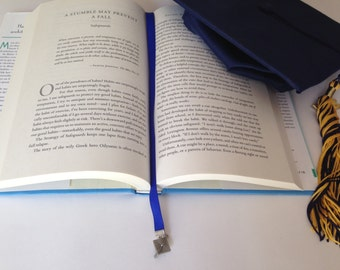 Graduate Bookmark / Graduation Cap Bookmark / Grad Bookmark / Best Graduate Gift - Clips to book cover so you never lose your bookmark!