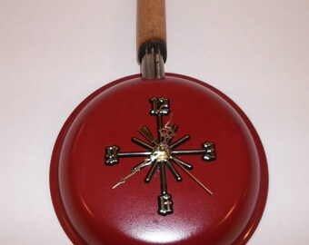 Red or Green Old Frying Pan up-cycled to Kitchen Clock
