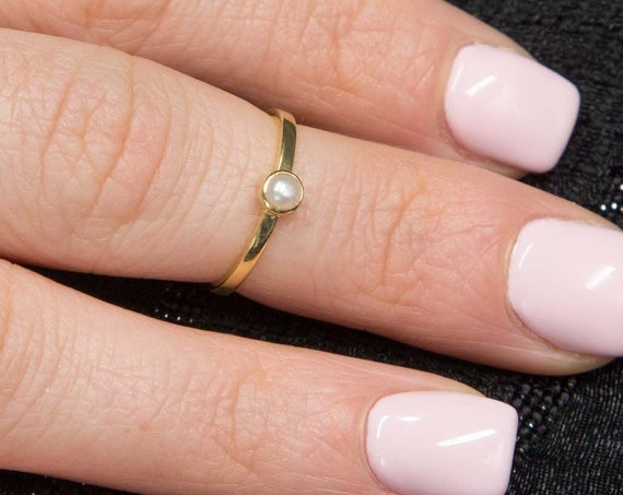Gold Pearl Ring, Gold Stacking Ring, Genuine Pearl Ring, Gold Bezel Ring, Solid Gold 14 karats, Bridal Ring