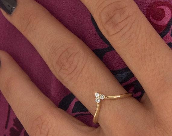 Diamond Gold Ring, Chevron Ring , 14K Gold Diamond Chevron Ring, V Shaped Tri Stone Ring, Wedding Ring, Engagement Ring, Gold Stacking Ring