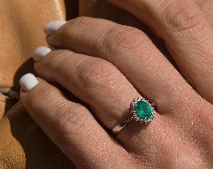 Diamond Emerald Ring, Gold Emerald Ring, Genuine Emerald Ring, Oval Emerald  Halo Ring, Emerald Engagement Ring, Oval Halo Ring, 18k Ring