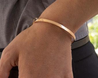 Plain Hinged Gold Bracelet, Gold 14k Oval Bracelet, Simple Real Gold Bangle, Gold 14k Hinged Bangle, 4 mm Wide Bracelet , Engraved Bracelet