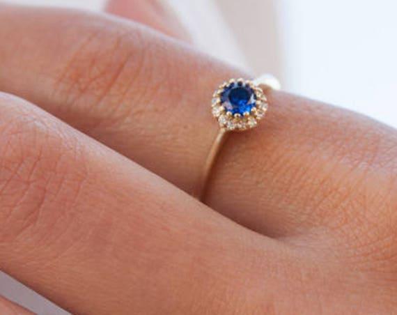 Round Halo Ring, Gold Engagement Ring, Birthstone Ring, Coloured Gem Rind, Halo Engagement Ring, Cubic Zirconia Ring, Gemstones Gold Ring