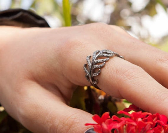 Silver Leaf Ring, Laurel Wreath, Branch Ring, Leaf Ring, Rhinestone Leaf Ring, Micro pave cz, Laurel Ring