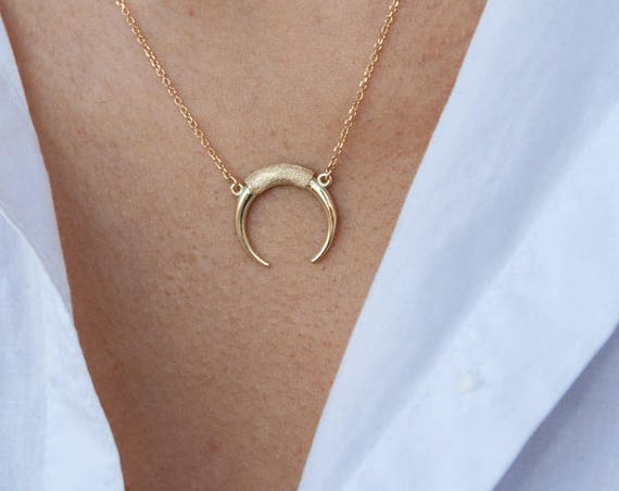 Horn Necklace, Gold Horn Necklace, Double Horn Necklace, Moon Necklace, Crescent Moon, Crescent Necklace, Tusk Pendant, Inspiration Necklace