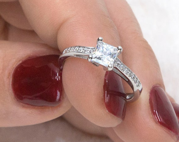 Princess Cut Engagement Wedding Anniversary Promise Solitaire Ring 0,80ct. Solid 14K Gold,