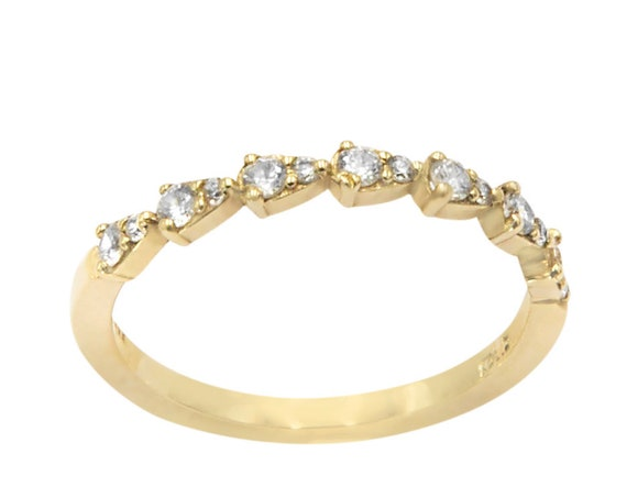 Marquise Diamond Ring / Marquise Diamond Wedding Ring in 14K Solid Gold / Alternating Marquise Round Diamond Ring 14K Gold / Stackable Band
