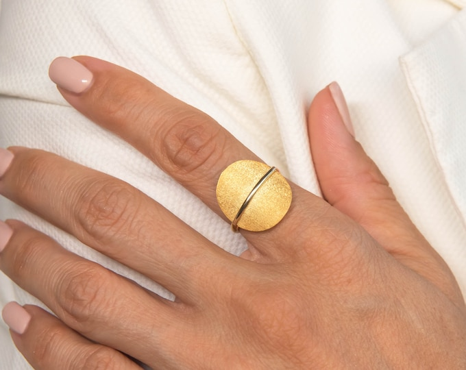 Gold Oval Ring, Gold Curved Ring, Solid Gold Oval Ring, Matte Finish Ring, 14K Gold Elongated Ring, Geometric Ring, Gold Geometry Jewelry