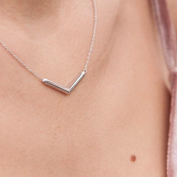 V Shape Necklace, Silver Chevron Necklace, Geometric Necklace, V Necklace, V Line Necklace