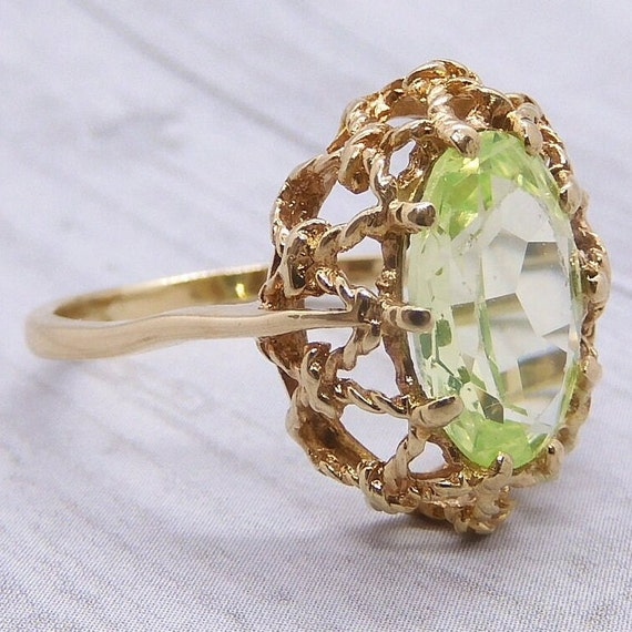 Vintage Neon Green Spinel 2.77 Carat Ring 10k Gold - image 3