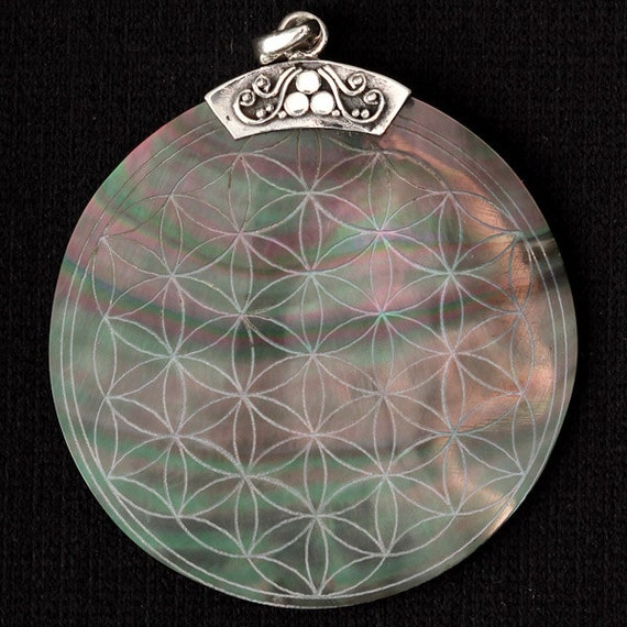 Flower Of Life Engraved Shell Pendant Wholesale