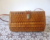 Vintage 60s 70s wicker woven bag purse with shoulder strap