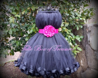 Sleeveless Black Flower Girl Dress with Pink Flower and Sash