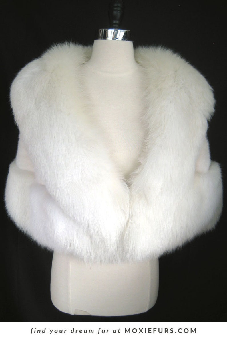 white fur stole paired - HD 794×1190
