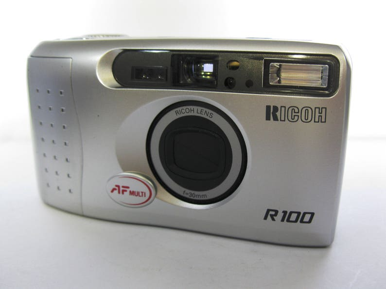 Vintage Extremely Rare Ricoh R100 Date 30mm Wide Slim 35 mm Film Camera