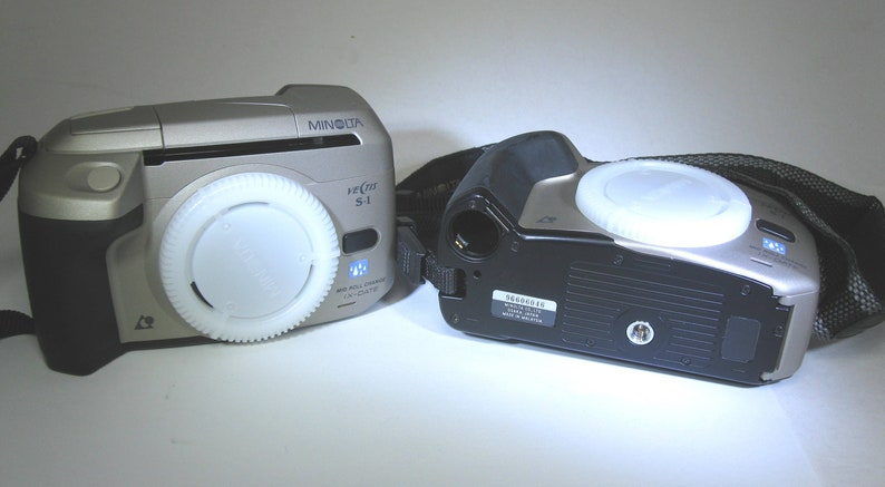 Minty Minolta Vectis S-1 SLR APS Film Camera Outfit with Three Vectis V Lenses and APS Film