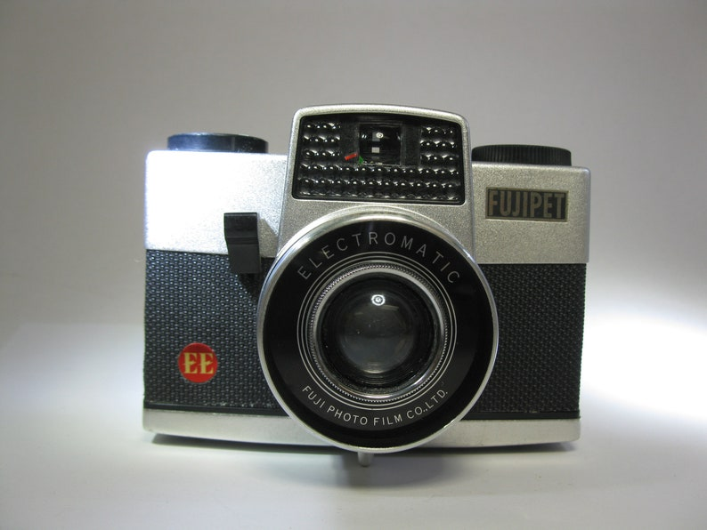 Extremely Rare Fujifilm 6x6 Fujipet EE Electromatic 120 Format Film Camera NON-WORKING