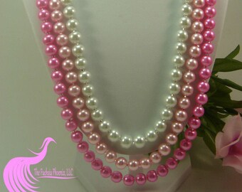 3 string faux pearl necklace in vintage elegance