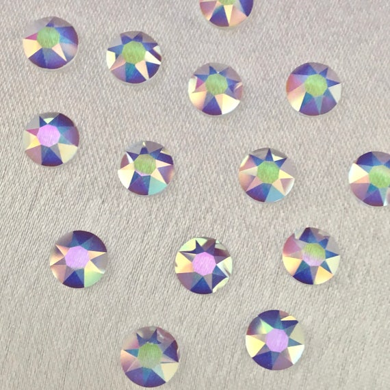 100pieces 8 x 5mm TEARDROP PEAR GLASS DIAMONTE CLEAR RHINESTONES IRON ON HOTFIX