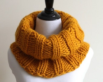 WOOL COWL, Knitted cowl, Soft wool cowl, Tube scarf, Mustard yellow knit cowl, Winter cowl, Handknit snood, Chunky knit cowl, Soft & cozy