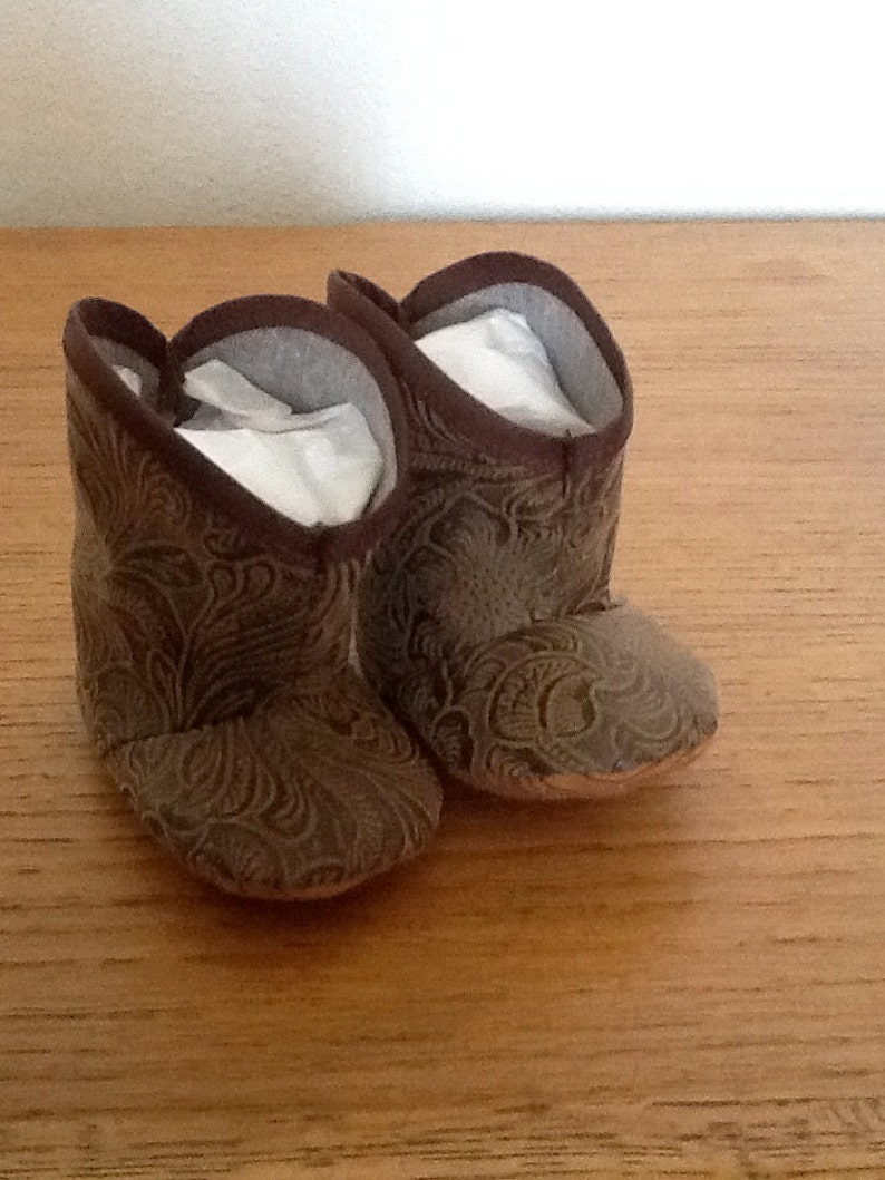 677027ce7481e infant baby leather look cowboy boots