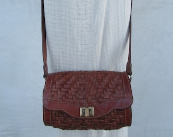 7fa856b22 90s Woven Leather Crossbody Barrel Bag, Cognac Brown Leather Crossbody Purse  handbag Satchel, Whiskey Brown Crossbody Woven leather Bag