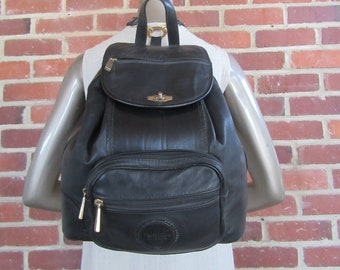 670f4902ba0f 1990s Large Black Leather Backpack