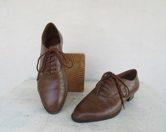 483ddcf491c 1990s Womens Brown Leather Oxford Shoes